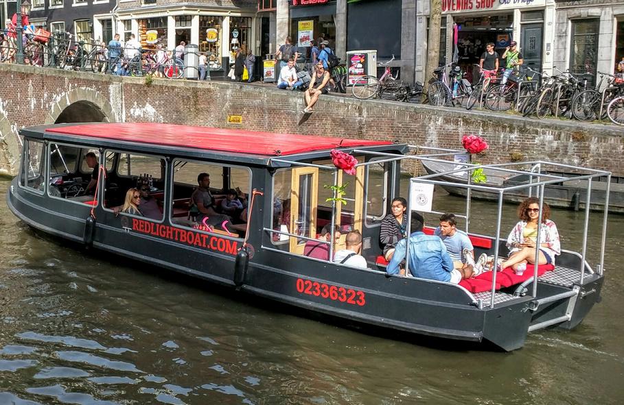 Salonboten huren bij Sloepvrienden.nl